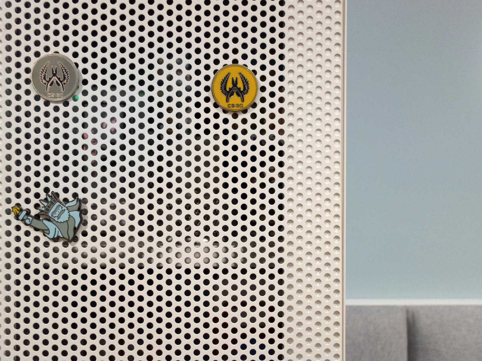 12 projektowanie wnetrz R034 dom katowice pokoj chlopca front z metalowej siatki miejsce na magnesy