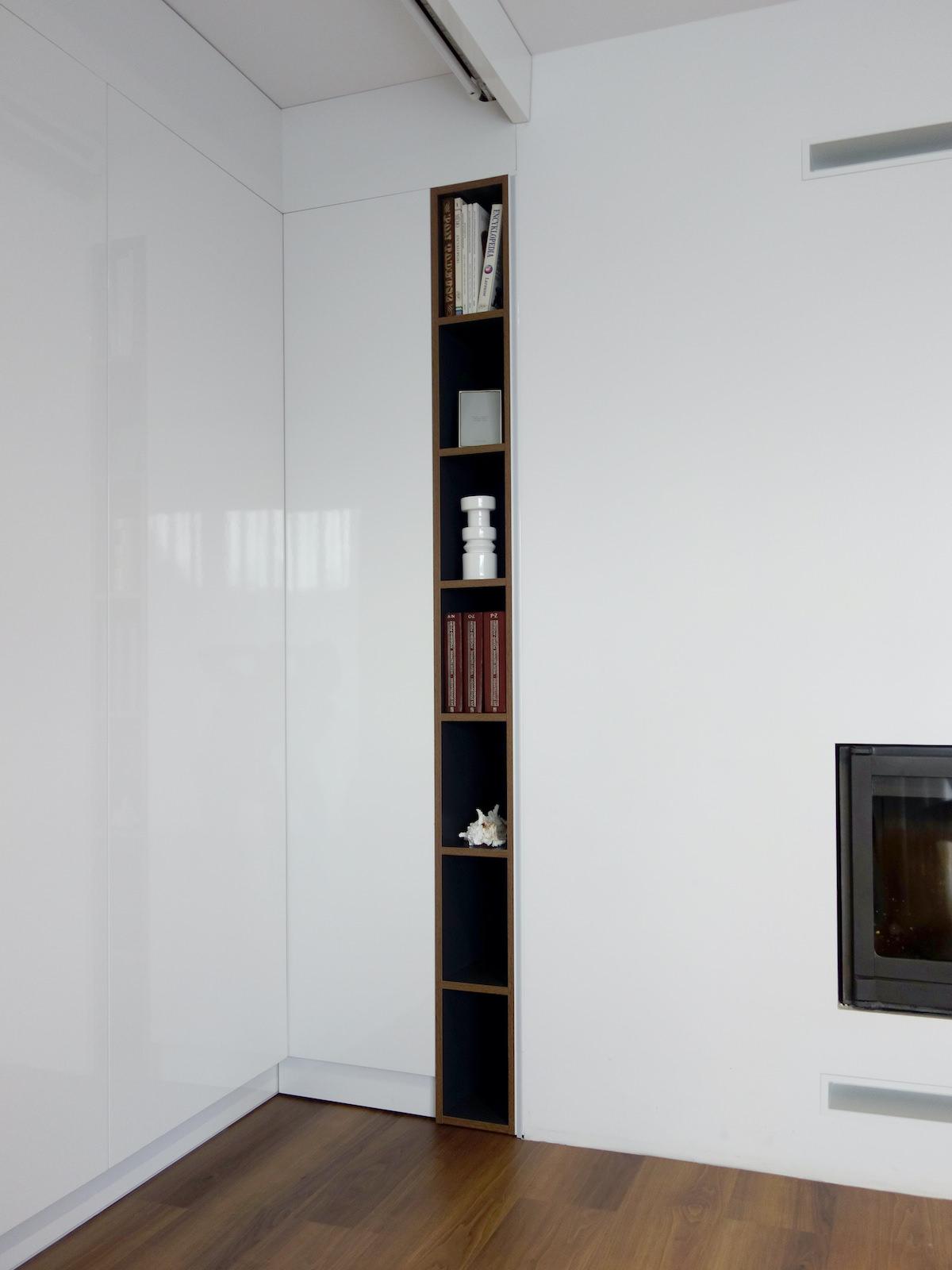 6 projektant wnetrz R056 dom dabrowa gornicza zabudowa przy kominku regaˆ na ksiazki