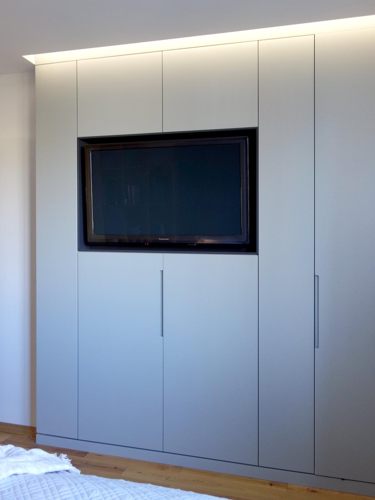 7 projektowanie wnetrz R034 dom katowice sypialnia telewizor w zabudowie meblowej